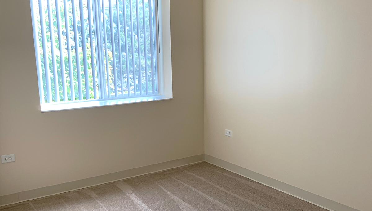 Poplar Creek Village Apartment Bedroom