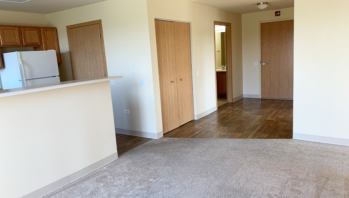 Poplar Creek Village Apartment 2 Bedroom