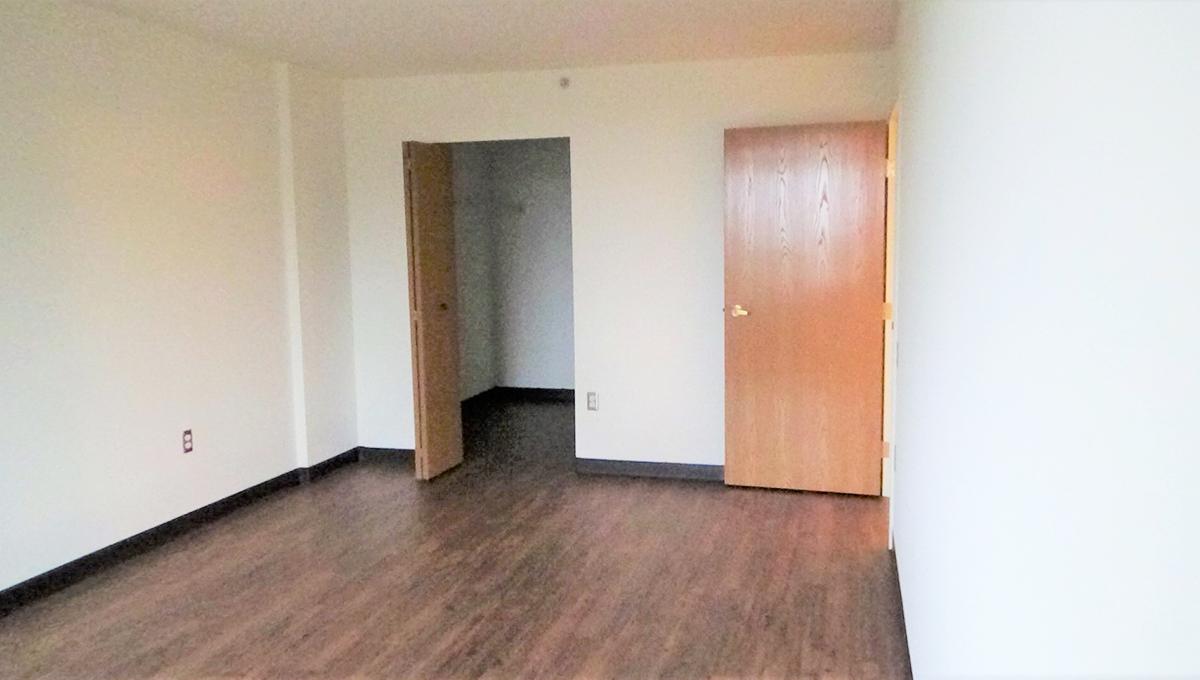 Hunt Club Village Apartment Room